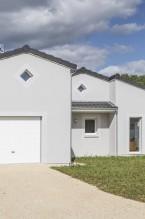 Façade d'une maison contemporaine de plain-pied à Bergerac