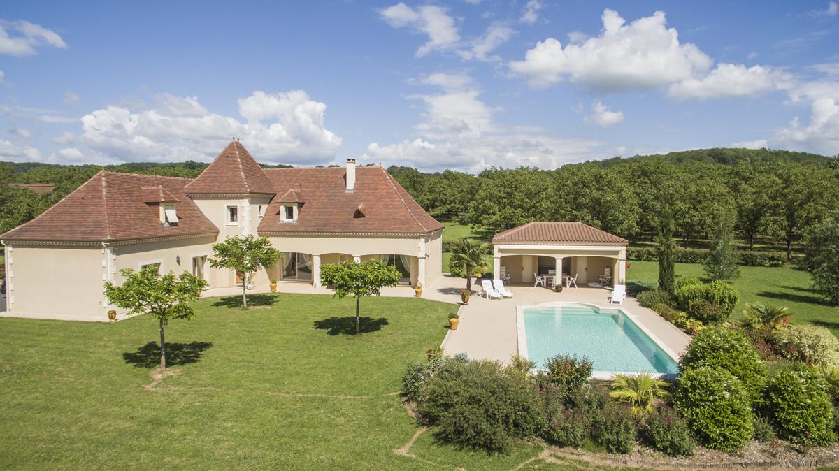 Belle maison périgourdine avec piscine à Saint-Julien-de- Lampon