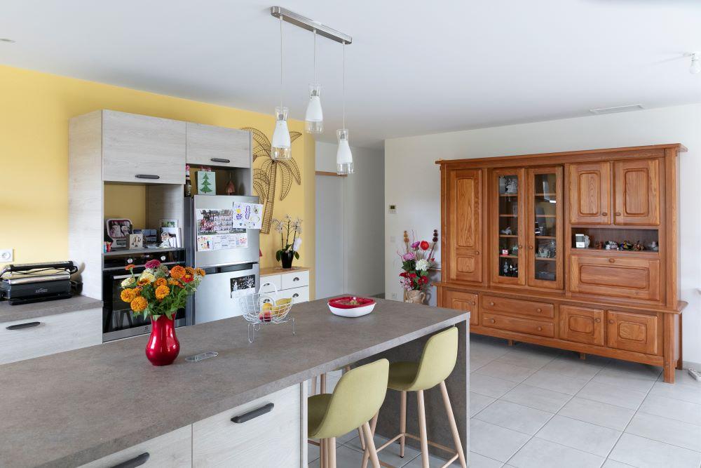 Cuisine moderne dans maison neuve à Lamonzie Saint Martin