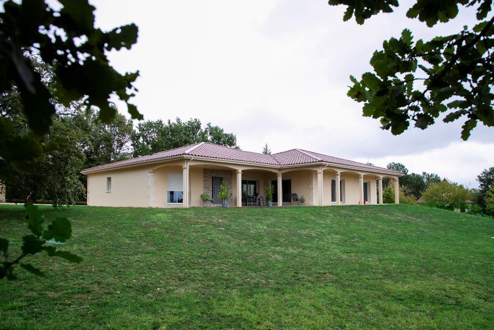 Maison moderne à Saint Martial de Nabirat